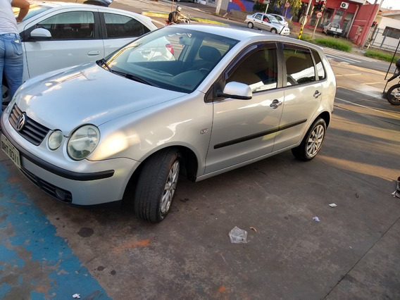 Volkswagem Polo Hatch 2003 1.6 Gasolina 5 Portas