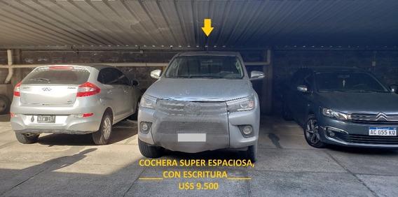 Cochera Apta Camioneta Grande Con Portón Automático Y Escrit