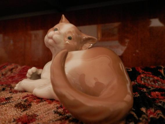 Gato Acostado Lladro