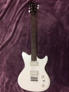 Guitarra Electrica First Act Seminueva