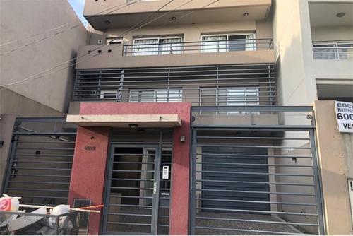 Venta Monoambiente Con Balcón Caseros. Oportunidad