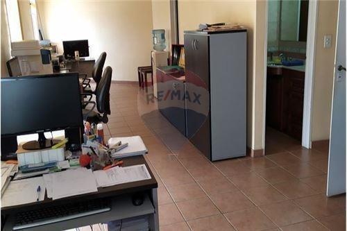 Venta Oficina Local A Nuevo La Boca