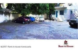 Minicentro De Oficinas En Altamira Mls #20-4527