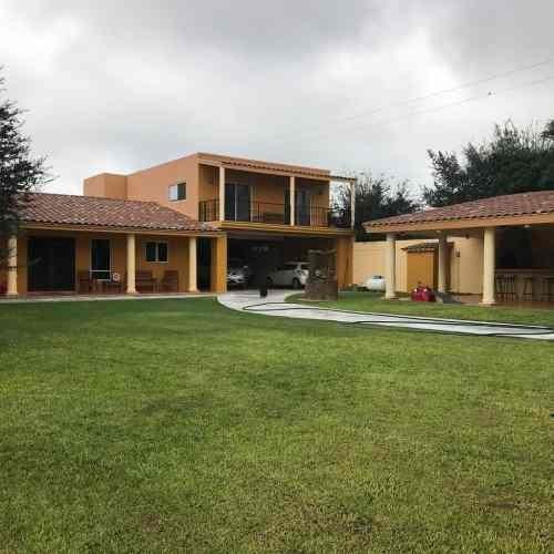 Casa En Venta En Zuazua Portal Del Norte Amplio Jardin