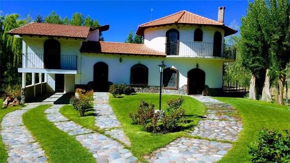 Venta De Chalet En Potrerillos, Mendoza.