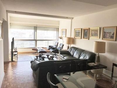 Excelente Apartamento En Pocitos De 3 Dormitorios