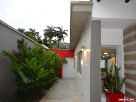Casa En Venta La Viña Valencia Carabobo 19-7787 Lf
