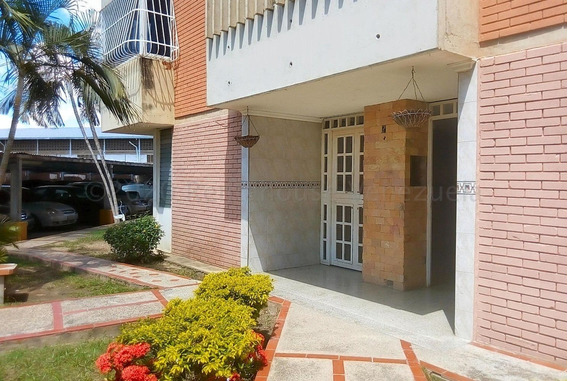 Bonito Apartamento En Urbanizacion San Jacinto Zp 20-24670
