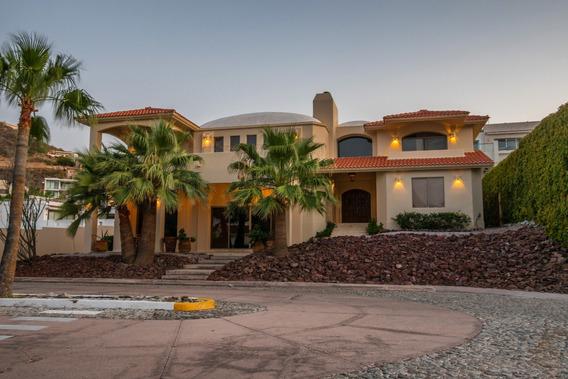 Se Vende Hermosa Casa Residencial En La Playa.
