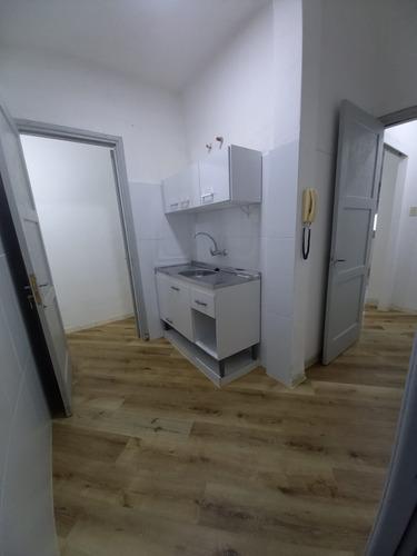 Alquiler Apartamento Amplio Al Frente Planta Baja