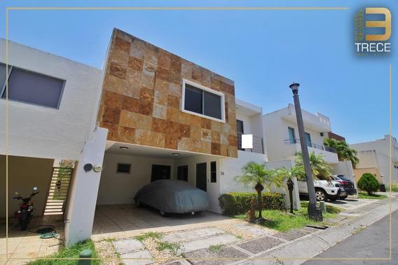 Casa De Oportunidad En Lomas Residencial
