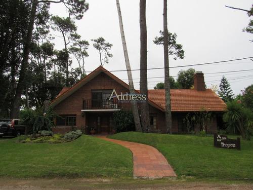 Casa En Punta Del Este, Mansa- Ref: 2969