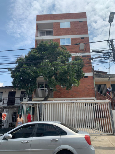Edificio Con Apartamentos A La Venta Barrio El Diamante- Cali