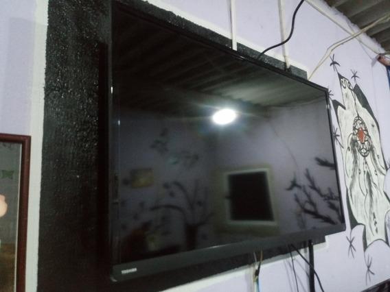 Tv De Led 42 Com A Tela Trincada