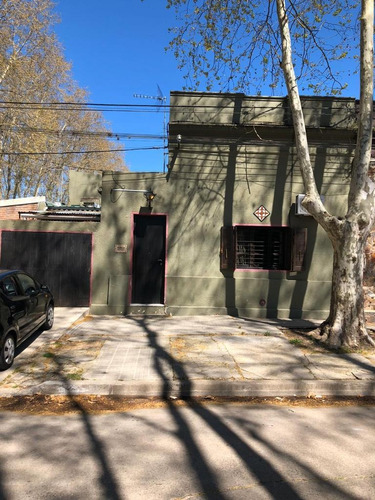 Preciosa Casa En Zona Residencial De Colon De 3 Dorm Y Gge!