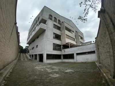 Edificio Para La Venta En La Avenida 30 De Agosto