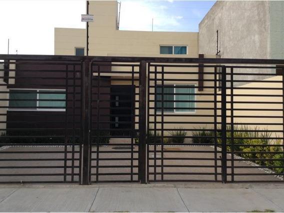 Casa Sola En Renta Santa Fe Corregidora