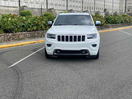 Jeep Grand Cherokee Overland Americana