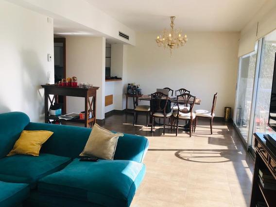 Piso En Venta De Categoria De 3 Dormitorios Con Cochera En La Plata