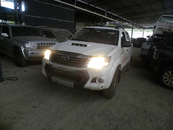 Sucata Toyota Hilux 3.0 Sr Cab. Dupla 4x4 4p Manual