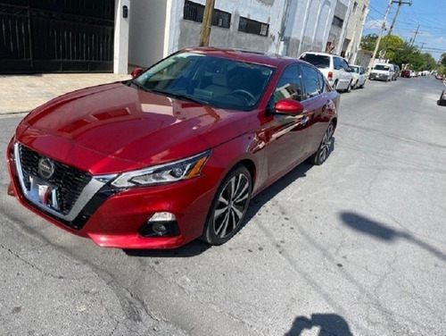 Imagen 1 de 10 de Nissan Altima Sr 2021 Rojo