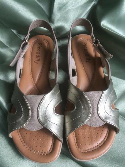 1 Sandália Picadilly, 1 Sapato E 1 Sandália Saltos Fino