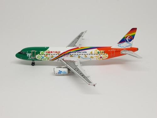 Miniatura Phoenix 1:400 A320 China Eastern