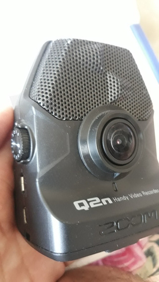 Zoom Q2n - Gravador De Audio E Video + 32 Gb Sd + Pedestal