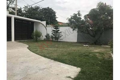 Casa En Venta De Una Planta Con 1,280m2 De Terreno