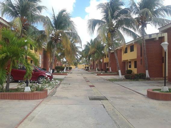 Town House En Alquiler En Ciudad Flamingo, Res. Paikla