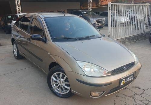 Imagem 1 de 15 de Ford Focus 1.6 Gl 5p 2005