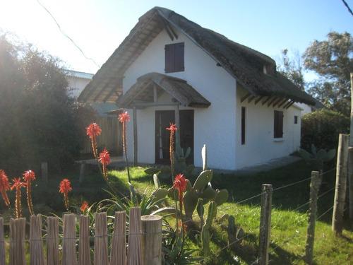 Guyunusa, Hermosa Cabaña En Barra De Valizas, Rocha, Uruguay