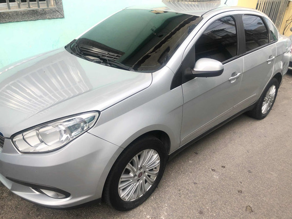 Fiat Grand Siena 1.6 16v Essence Flex 4p 2014