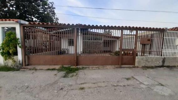 Casa En Venta El Recreo Cabudare 20-2091 Jcg