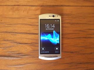 Celular Sony Ericsson Xperia Neo V Prata