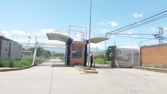 Casa En Venta En La Ciudadela 04145624656