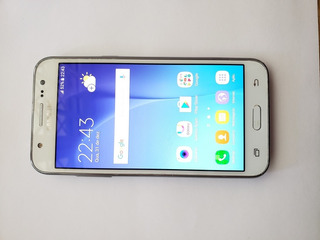Celular Samsung Galaxy J5 - Sm-j500, Branco