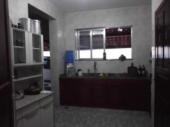 Casa Para Venda Em Araruama, Vila Capri, 4 Dormitórios, 1 Suíte, 2 Banheiros, 2 Vagas - 25