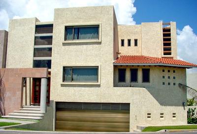 Casa Estilo Mediterráneo Amplio Terreno Gran Oportunidad