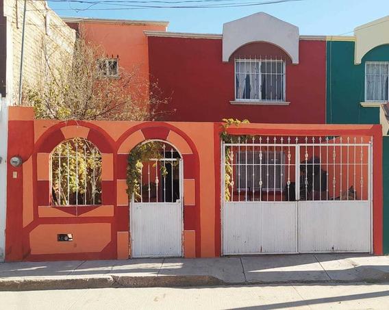 Casa En Venta En Fraccionamiento Hacienda Las Flores