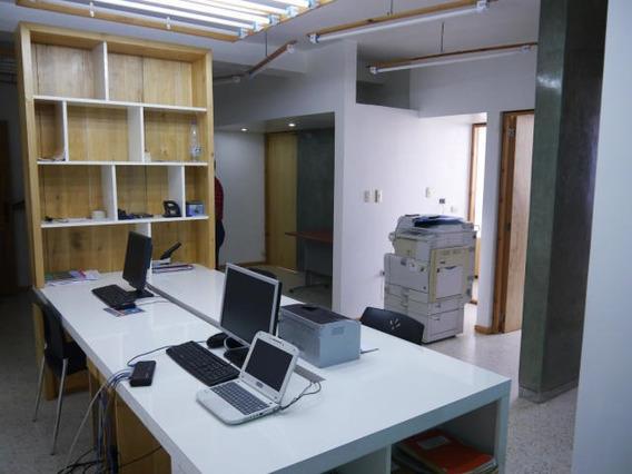 Oficina En Venta Av. Libertador Barquisimeto 20-10680 Vc..