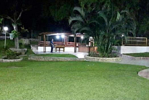 Quinta En En Las Lomas Con Piscina Y Amplias Áreas Verdes
