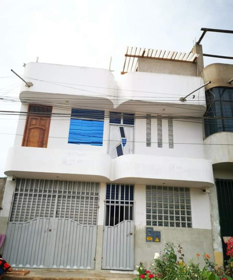 Casa Con Cochera 3 Pisos Trujillo