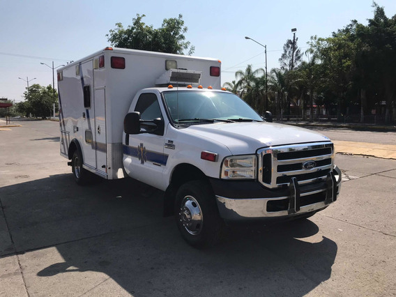 Ambulancia Ford F-350 Mccoy Miller 4x4 T1