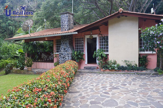 Beautiful Mountain Property In Altos Del Maria - $225,000