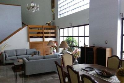 Casa En Venta. ¡hermosa Y Muy Amplia!