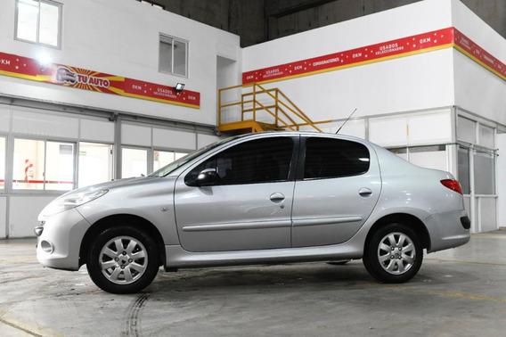 Peugeot 207 Compact 1.4 4p Xs 2011