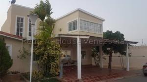 Casa En Venta Maracaibo 20-8972 Ap
