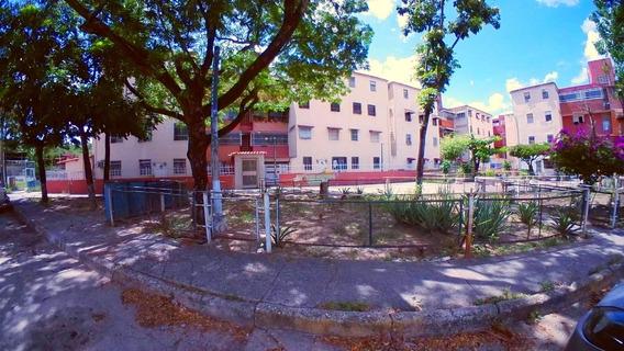 Apartamento En Venta Guarenas Los Naranjos Fvcl 19-18824