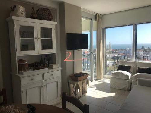 Apartamento En Península 2 Dormitorios Con Vista Al Puerto- Ref: 5328